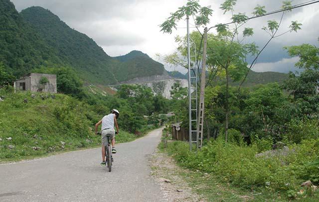 Vietnam Noord Centraal biker