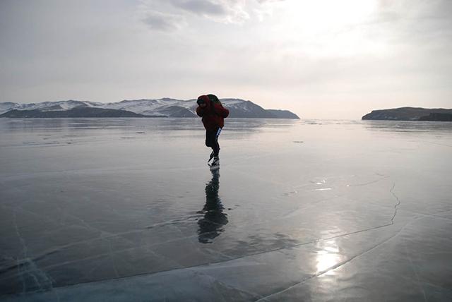 Siberie Schaatser op meer