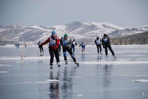 Siberie schaatsers op meer